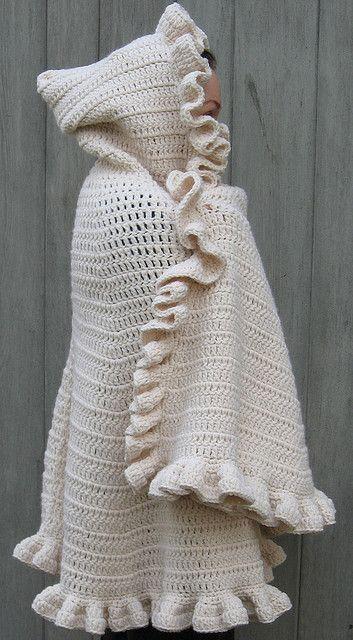 Comfy Snuggle Shawl with Hood - Free Pattern @Leanne Kitterman - Hilary Wayne https://www.pinterest.com/hilarywayne0818/