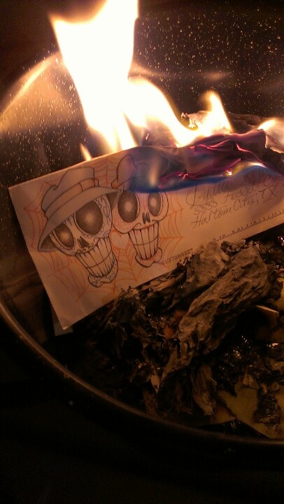 Thanksgiving ... Had a bombfire burning all the EX's things .. no need to hold on to lies and my past!! And thats how it's done ladies