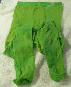 Just dyed my tights for halloween with food coloring! Super easy & only took 5 minutes!