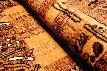 Dywan tradycyjny Wzory na kwadratach. Brązowy dywan do klasycznego wystroju.