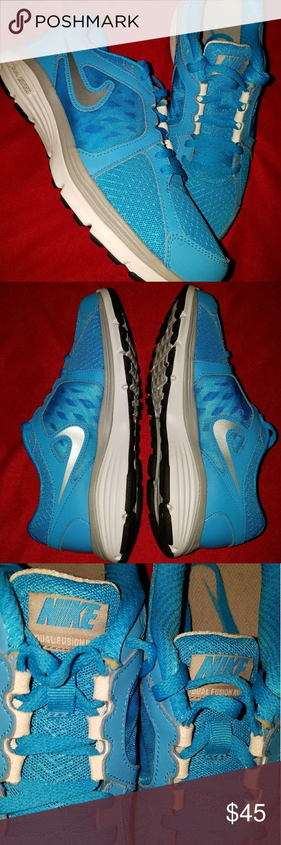 Nike Dual Fusion Run Sneakers 8.5 Gently Worn Nike Dual Fusion Run Sneakers  Size 8.5 Women's  Still has tons of life in them. Wore them to fitness class a few times Nike Shoes Sneakers