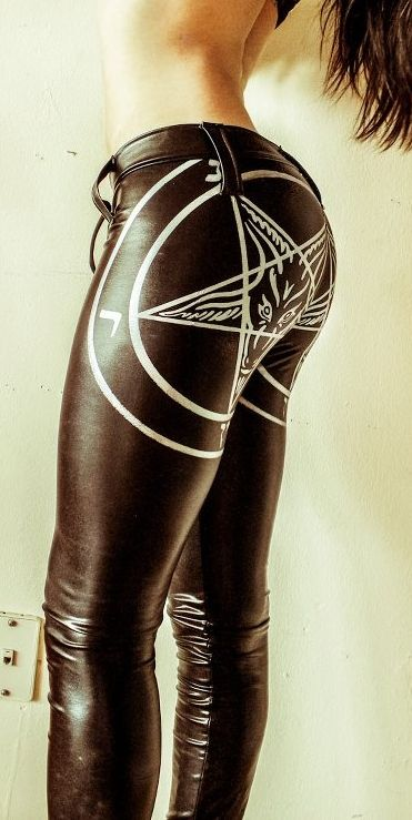 leggins, urban gothic fashion for the gothic fashion ware lovers