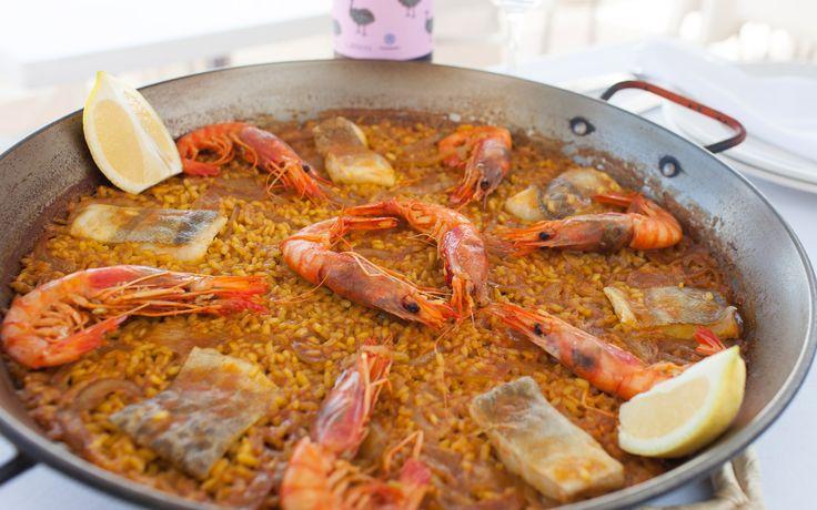 Arroz de bacalao, cebolla y gamba roja. Valencia - Mare Nostrum II