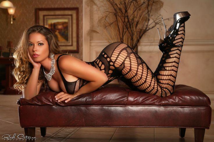 Sarah - Model: Sarah Leann