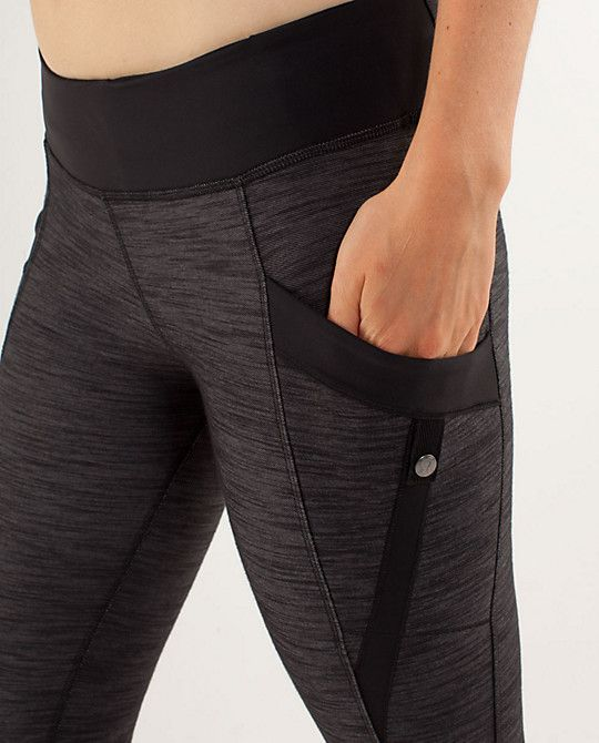 yoga pants with pockets.  LOVE!