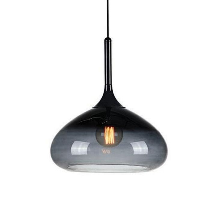 Cooper från Markslöjd är en stilfull taklampa som ger ett effektfullt sken bestyckad med en snygg glödlampa.