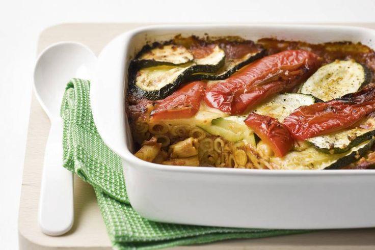 Kijk wat een lekker recept ik heb gevonden op Allerhande! Ovenschotel van pasta en courgette