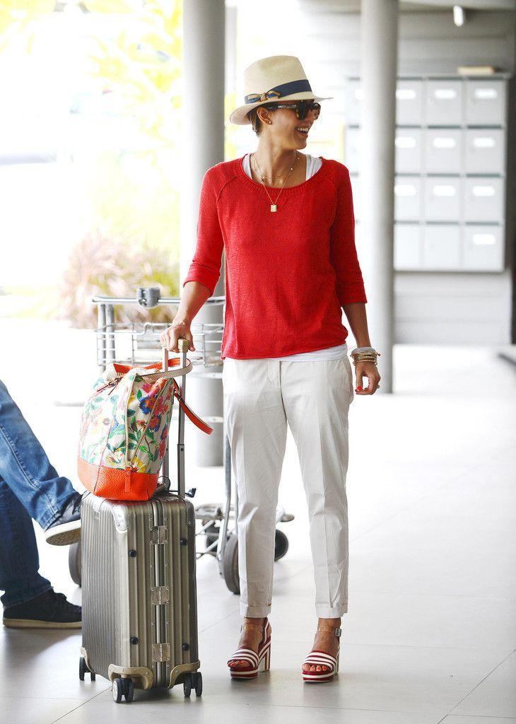 Jessica Alba Photo - Jessica Alba and Nicole Richie Head to the Airport