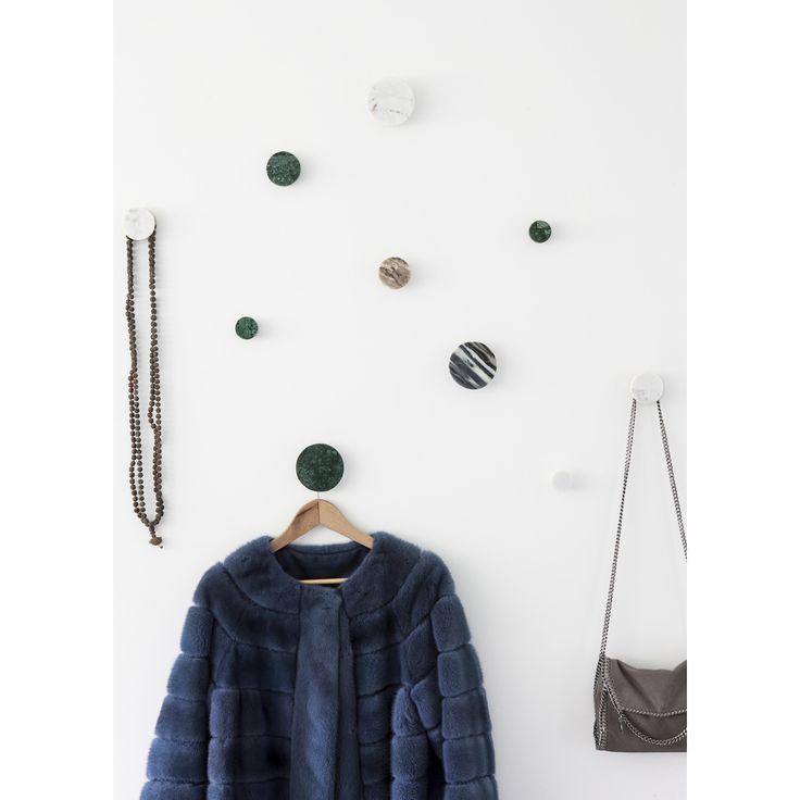Marble krok S, grön marmor i gruppen Inredningsdetaljer / Småförvaring / Krokar & Hängare hos RUM21.se (132731)