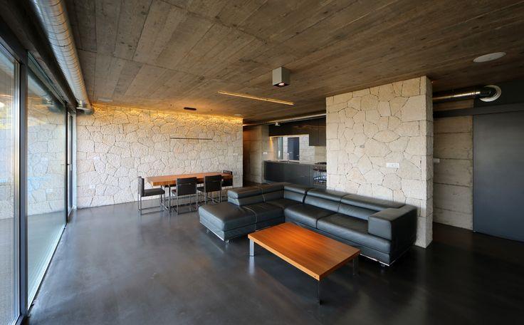 Zwarte betonvloer