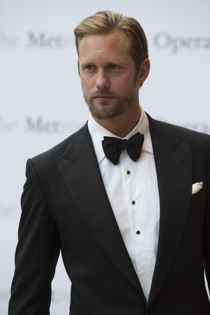 skarsjoy:   New photo of   Alexander Skarsgård  ... | Yet another thing for me to get hooked on