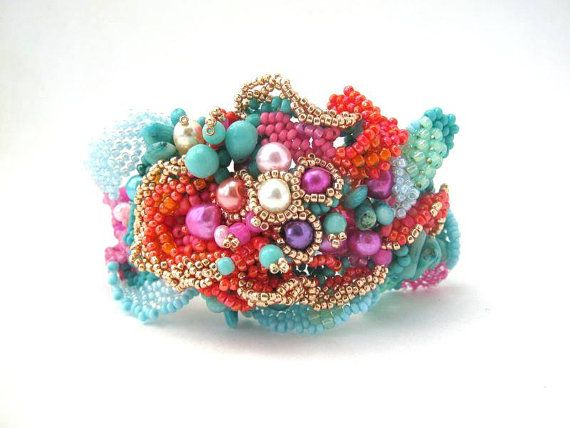 This unique freeform bracelet has a beautiful color and shape, a real summer beauty. It is characterized by its wavy surface, exciting texture. Whenever I