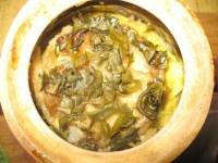 Рыба в омлете, запеченная в горшочке