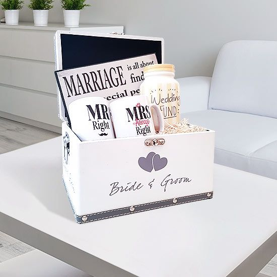 Wedding Fund Gift Set will put a big smile on anyone's face. What better way to say congratulations on your engagement, than a gift set.