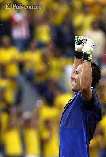"""""""Estamos cerca de cumplir el sueño mundialista"""": jugadores de Selección Colombia Los jugadores de la Selección Colombia de Fútbol se mostraron felices por el triunfo y sostuvieron la calma porque la clasificación aún está por asegurar."""