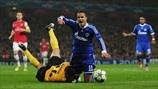 Ibrahim Afellay (FC Schalke 04) & Vito Mannone (Arsenal FC) | Arsenal 0-2 Schalke. 24.10.12.