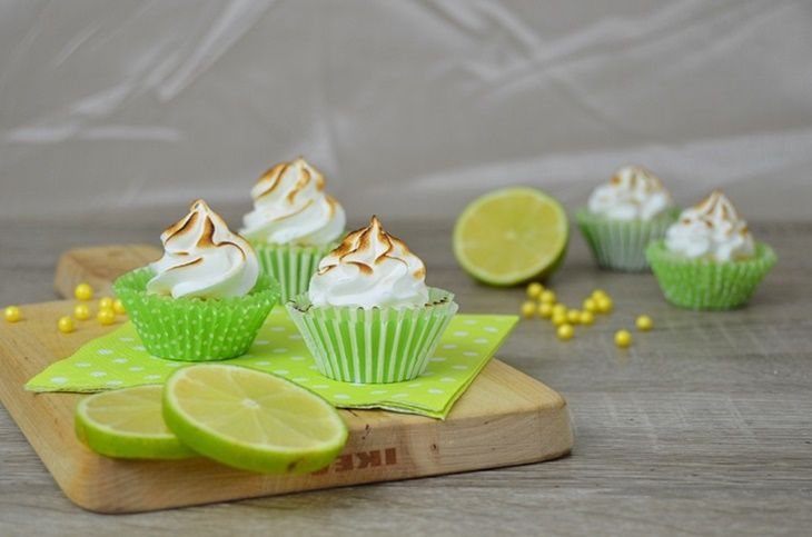 Lime meringue cupcakes, yum!