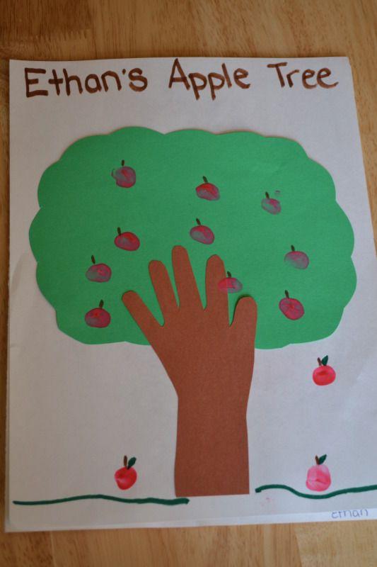 Moms Like Me: Handprint Apple Trees