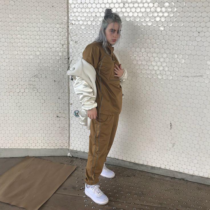 """Billie Eilish auf Instagram: """"Ich bin verrückt wie Scheiße. Heute Abend werde ich härter …"""