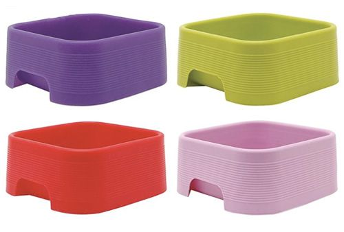 These candy-colored travel bowls from Dogit made of durable, flexible, lightweight silicone? Practically a dream come true.Candy'S Colors Travel, Dogs Stuff, Dogs Celebit, Dog Lovers, Dogs Personalized, Dogs Pets, Dogs Lovers, Dogit Silicone, Dogs Milk