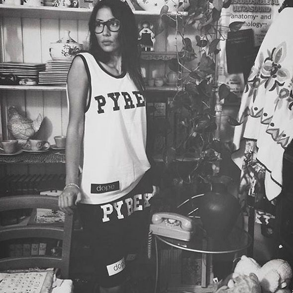 GET THE PYREX LOOK #cool #pic #amazing #girl #pyrexoriginal #pyrex #godsavethestreet #streetwear #collection