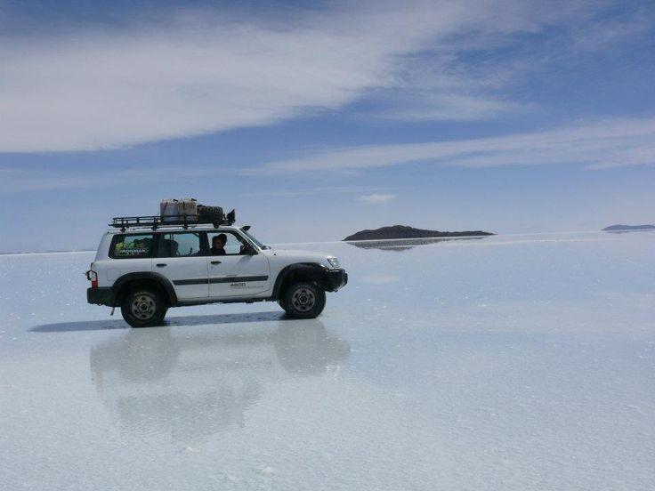 Nissan Patrol Y61 en Salar de Uyuni - Bolivia