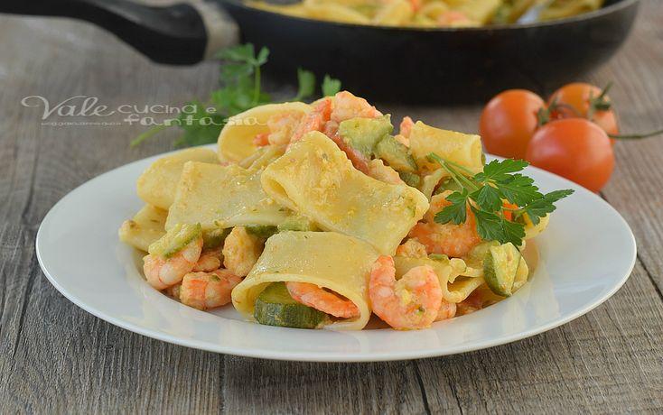 PACCHERI CREMOSI con zucchine e gamberetti SENZA PANNA E FORMAGGI CREMOSI ricetta facile, ricetta primo di pesce, leggera e gustosa