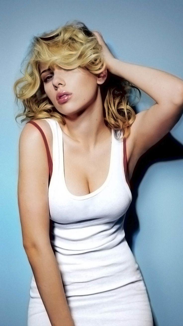 1440x2992 Scarlett Johansson in Black Dress 1440x2992