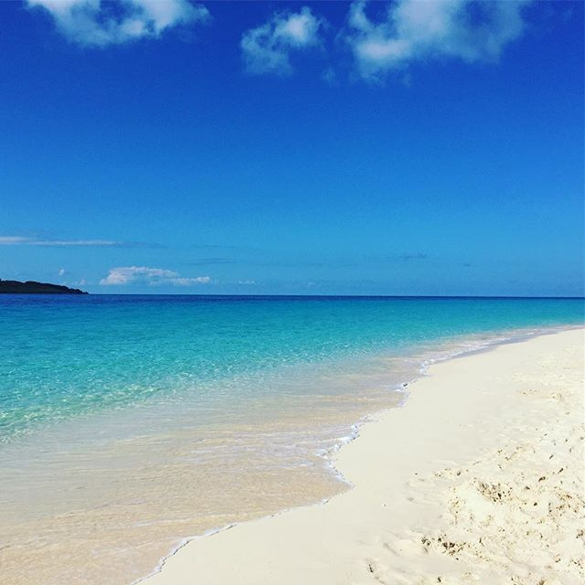 【blueskysummervacation】さんのInstagramをピンしています。 《前浜ビーチ⛱✨ 東京も穏やかな週末 #宮古島 #宮古島ブルー #miyakojima #miyakoisland #instapic #instagram #instagood #instasky #resort #bluesky #海 #沖縄 #instatravel #travel #travelgram #traveling #sea #青空 #前浜ビーチ #与那覇前浜ビーチ #来間島#ビーチ#instaholiday#beautiful#morning》