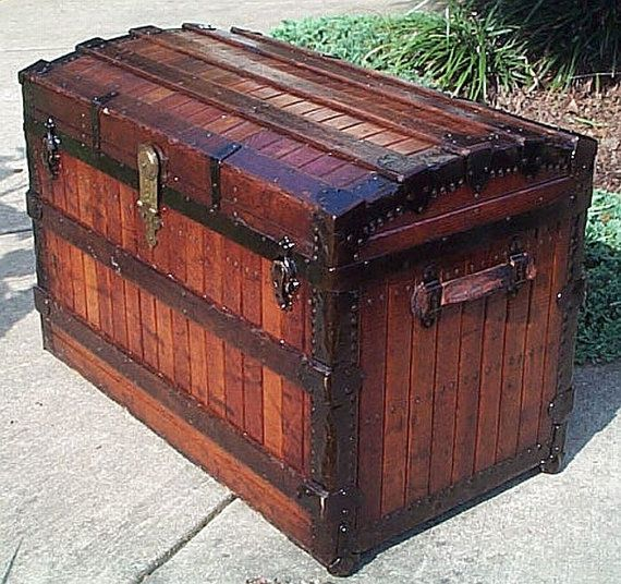 Leather Couch Repair Utah: 898 Best Images About Antique Trunks, Suitcases & Chest On