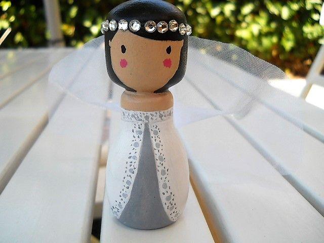 Peg dolls novia morena #pegdolls #noviademadera #pegdollnovia #muñecostartas #noviostarta
