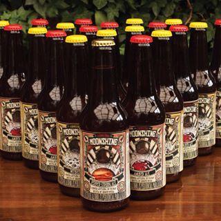 Si te gustan las experiencias diferentes, prueba una cerveza diferente #Moonshine #piensaindependiente #tomaartesanal #cervezabogotana #cervezacolombiana #craftbeer #bogota
