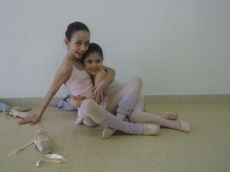 No hay mejor amiga que una compañera de las clases de ballet!