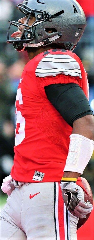 Ohio State Buckeyes quarterback J.T. Barrett (16)