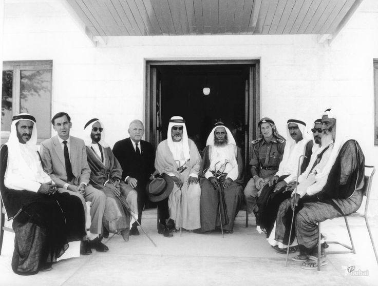 a history of uae That made 9 independent emirates: abu dhabi, dubai, sharjah, fujairah, ras al- khaimah, ajman, umm al qaiwain, plus bahrain and qatar as qatar and bahrain had also discovered oil in the meantime, they failed to reach an agreement with sheikh zayed over a common.
