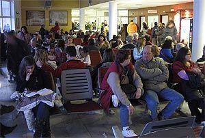 Panorámica de la sala de espera de Urgencias del Hospital 12 de Octubre. | D. Sinova