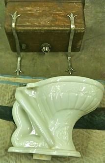 For Victorian era purists, this site is a treasure trove of authentic and beautiful bathroom plumbing fixtures.