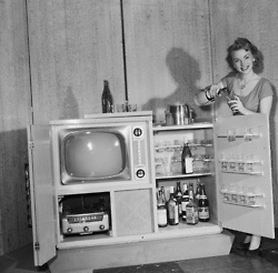 Combination television, radio & cocktail set. Chicago, 1951.