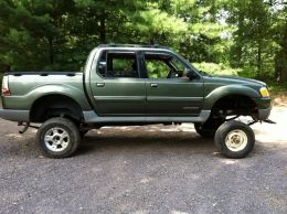 2002 Ford Explorer Sport Trac SAS by mjenk430 http://www.truckbuilds.net/2002-ford-explorer-sport-trac-sas-build-by-mjenk430