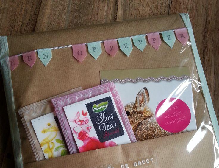 Gezellige post met klein cadeautje. Gemaakt met natuurlijk leuke spulletjes van Postpapierenzo.nl ;)