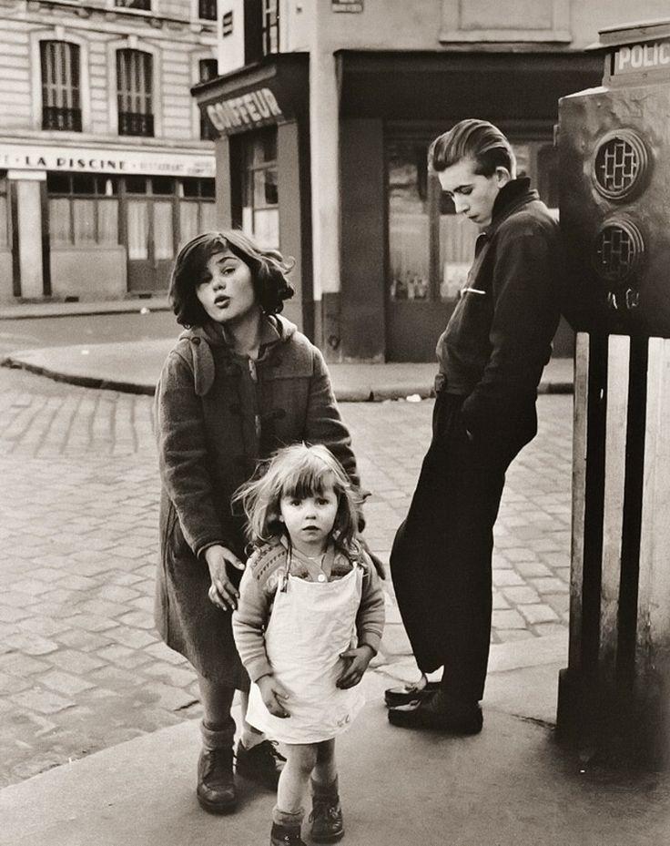 Robert Doisneau - Paris, Place Hébert, 1957.