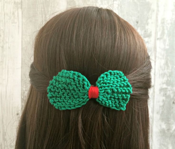 Christmas Hair Bow for Teens, Green and Red Knit Hair Bow, Festive Hair Bow Barrettes, Hairbows for Girls, Teen Girl Gift by SnugCreations on Etsy