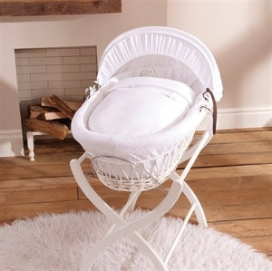 Izziwotnot White on White wicker moses basket
