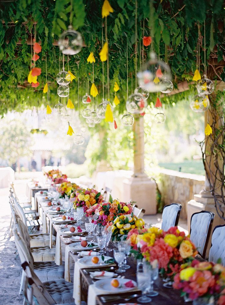 fun & bright outdoor table setting