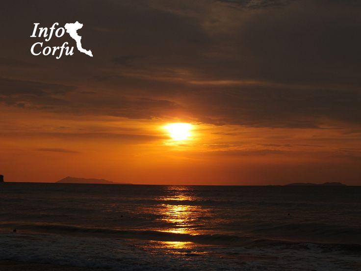 Sunset in Acharavi - Ηλιοβασίλεμα στην Αχαράβη www.infocorfu.gr