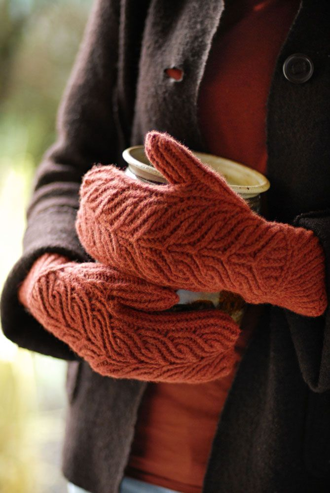 Lovely mittens -- too bad I don't knit! (on Brooklyn Tweed)