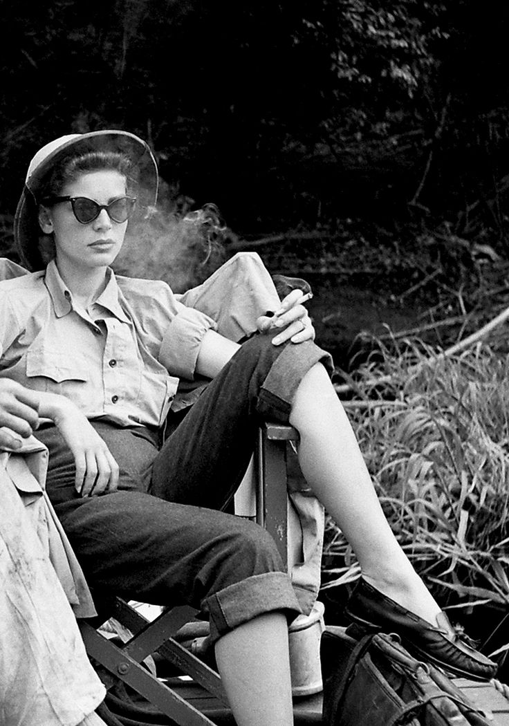 Lauren Bacall on the set of The African Queen (1951) in rolled up jeans, great sunglasses and a pith helmet!