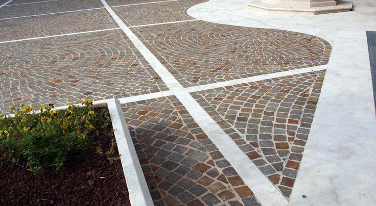 #porfido #chiesa #cerchio #cubetti #stone #effect #pavimenti #rivestimenti #church #stone  www.appiaanticasrl.it