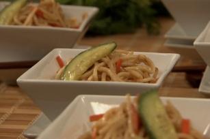 Salade aux nouilles de Shanghai et au beurre d'arachide