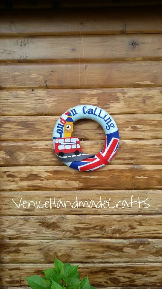 London Calling felt wreath, gift for London lovers and fans, gift for English teachers, gift for British abroad di VeniceHandmadeCrafts su Etsy